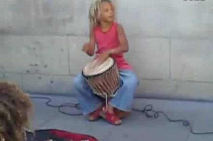 牵手小朋友和你一起学非洲鼓《王老先生有块地》最简单非洲鼓表演