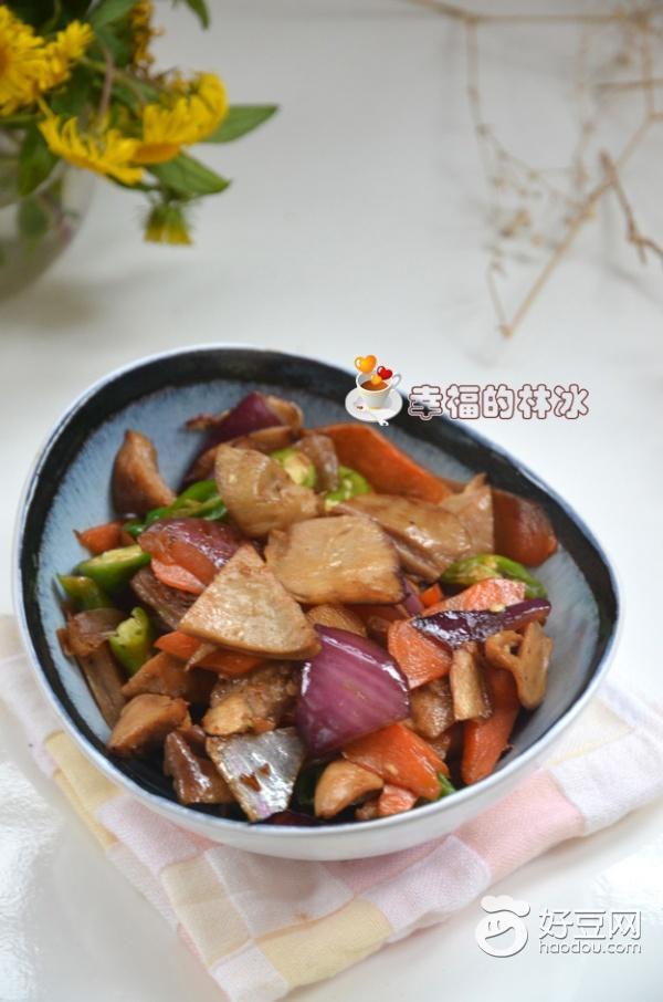 【美食记】解馋的胡萝卜炒肚片