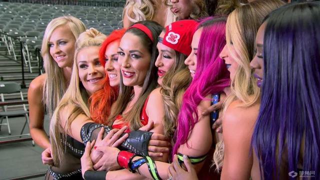 女神节快乐!你一定看不出这些WWE女子选手的真实年龄!