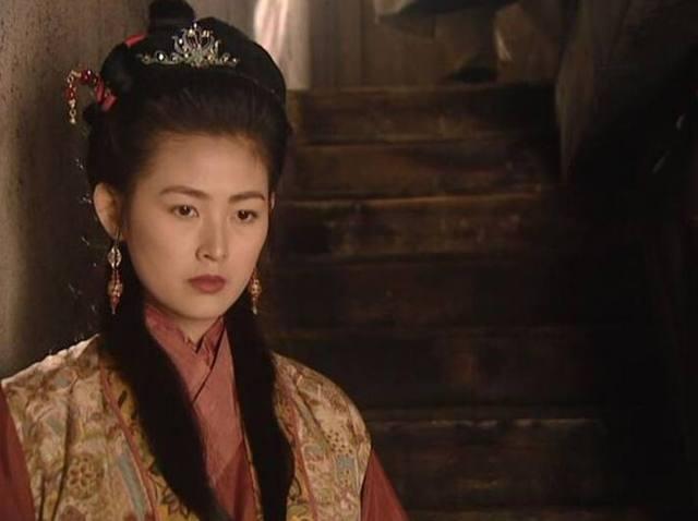 三位演过潘金莲的日本女星,唯有她拥有鲜为人知的尊贵身份