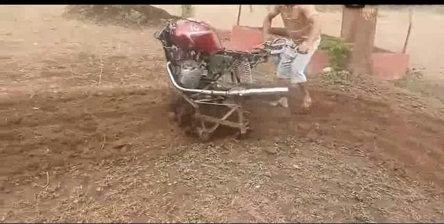 牛人将摩托车改装为耕地机,真是厉害_网易视频