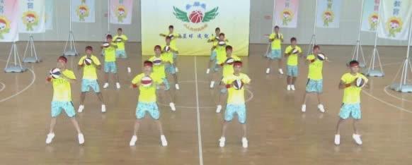 幼儿园篮球舞