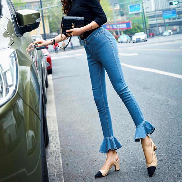紧身牛仔裤女生图片