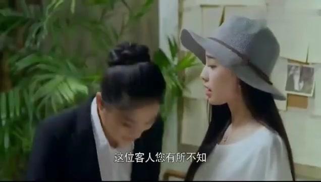 美女和闺蜜在商场偶遇霸道总裁,结果没想到他竟是闺蜜的老公