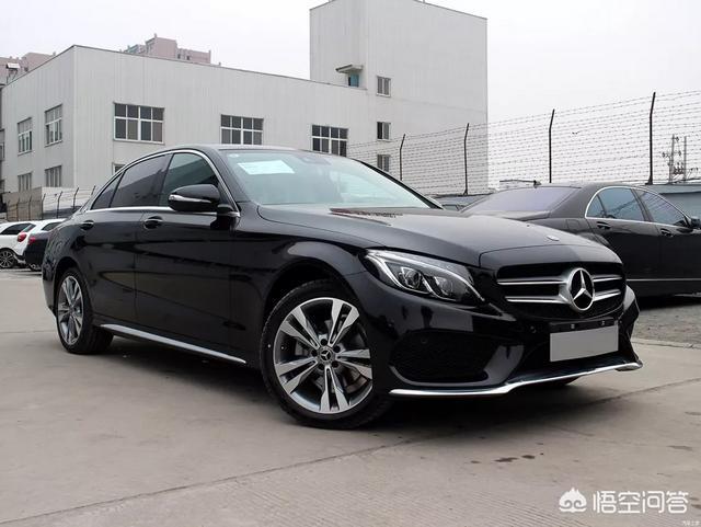 豪华品牌中级车之冠,北京奔驰C级开起来怎么样?