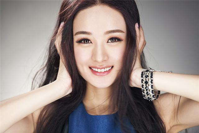 女星同穿红衣,刘亦菲完胜赵丽颖排第四,第一竟是她!