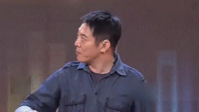 李连杰告诫吴京:夹着尾巴做人!是什么让李连杰担忧吴京?