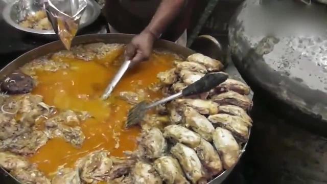 印度街头美食咖喱羊肉,10斤煮一锅,条件简陋,但... _网易视频