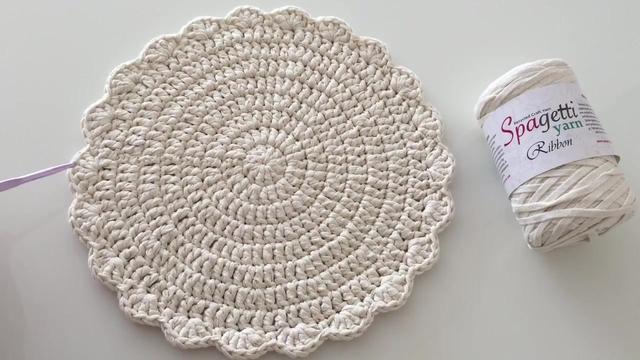 用织带钩织的圆型杯垫-钩织物教程