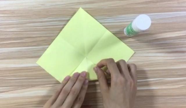 四叶草纸盒的折纸方法步骤图解_百分百知识分享平台