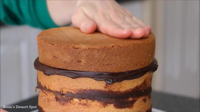 浓浓的巧克力奶酪蛋糕,好吃得不像话