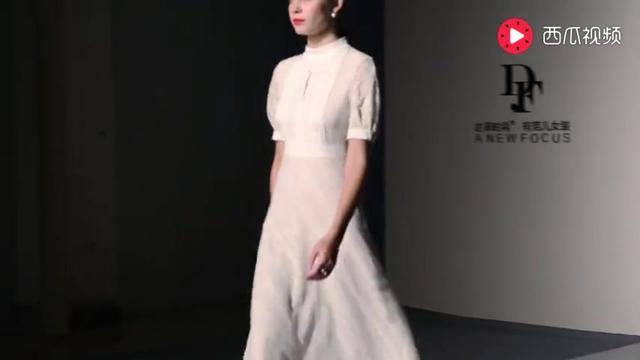 達衣巖2018新款裙子