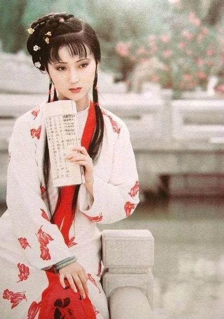 87版红楼梦金陵十二钗的美照,谁是你心中的最美?