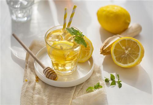 柠檬蜂蜜水作用和功效_百科名医