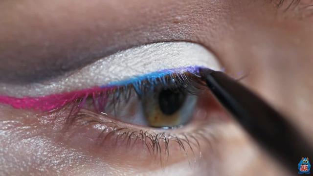 化妆创意彩铅美人图