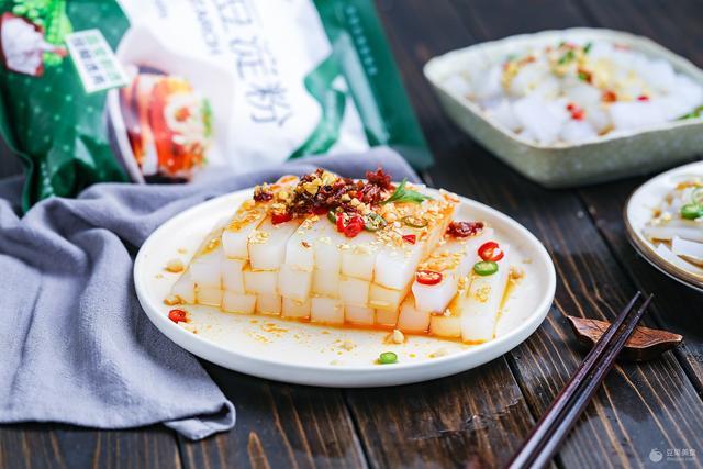 自制豌豆凉粉的做法_菜谱_香哈网