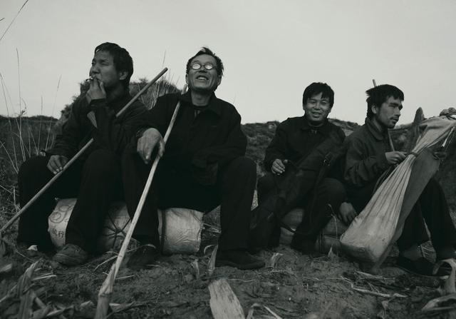 《没眼人》11个盲艺人 70年来以流浪卖唱为生