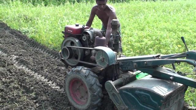 履带手扶拖拉机,用这耕地效果真好,完全不用担心打滑