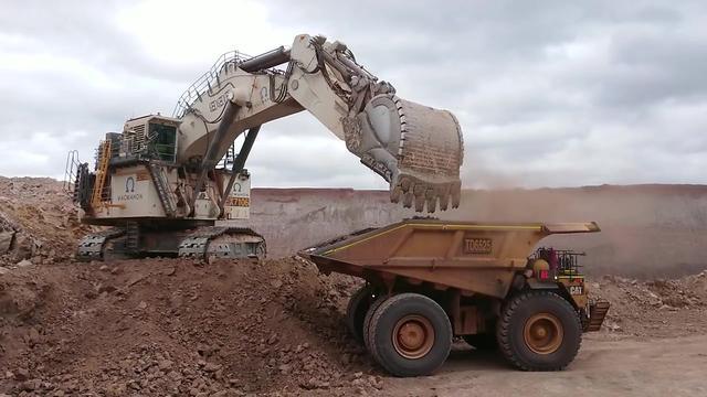 加藤挖掘机重型机