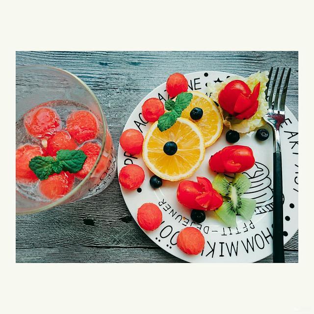 圣女果水果拼盘