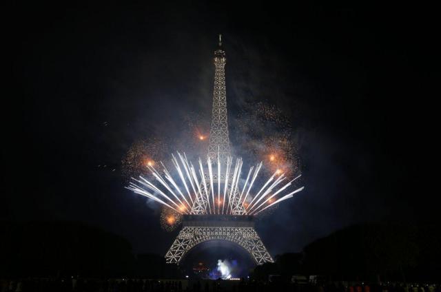 巴黎铁塔主题