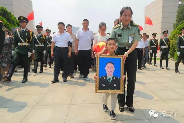 莱钢医院为维和牺牲战士杨树朋家属进行健康查体