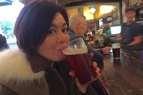 喝酒照片图片只拍啤酒
