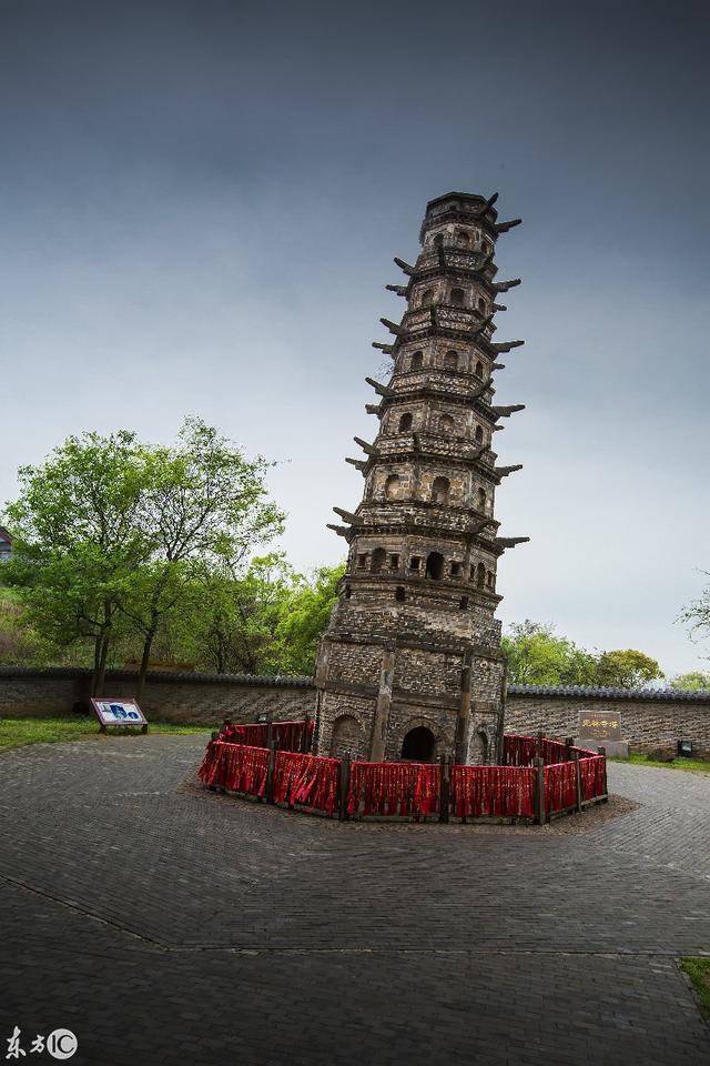 中国的定林寺塔才是世界第一的斜塔,意大利比萨斜塔无法与其匹敌