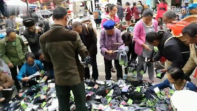 加绒的儿童牛仔裤5块钱一条,也就只有广州尾货市场才能拿得到吧