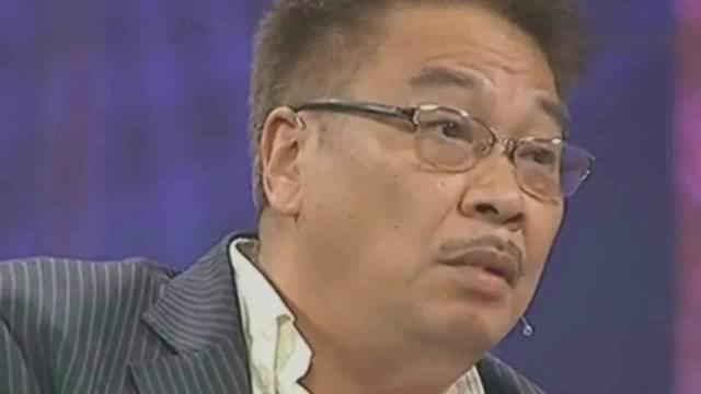 65岁吴孟达参加岳父葬礼,400米靠人搀扶走完,身... _手机网易网