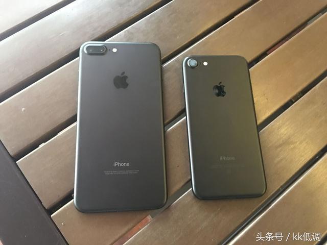 iPhone7亮黑色和磨砂黑哪个好看/有什么区... - 科威软件园手机版