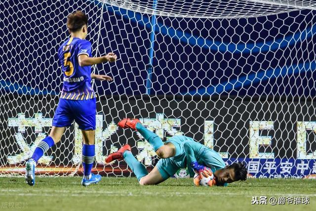 前国门三场比赛才完成首次扑救,苏宁真的不考虑换门将试试吗?