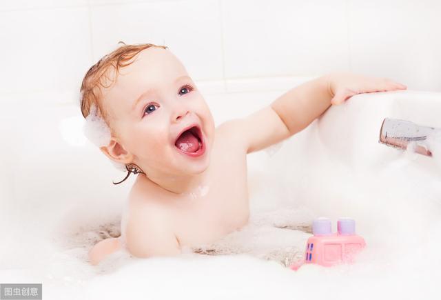 给小孩洗澡的正确姿势有哪些_妈妈网小百科