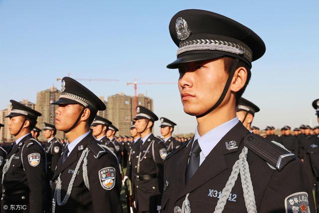 协警和警察的服装区别