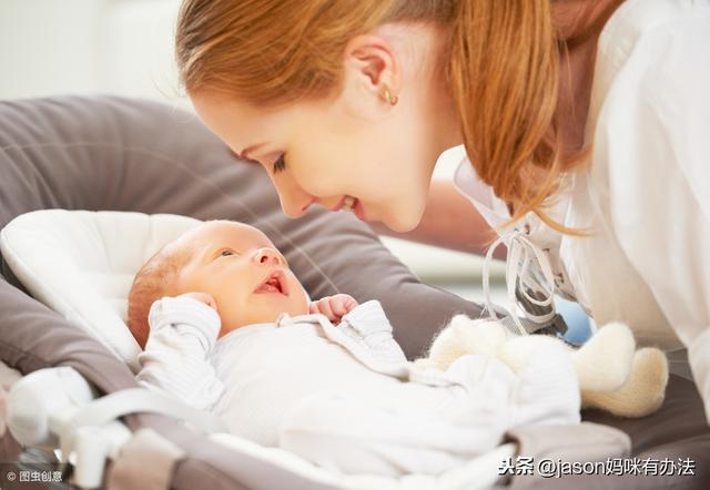 满月宝宝肚子胀气图片