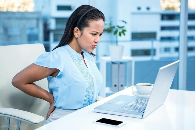 腰痛原因各不同,4点教你区别腰间盘突出与腰肌劳损