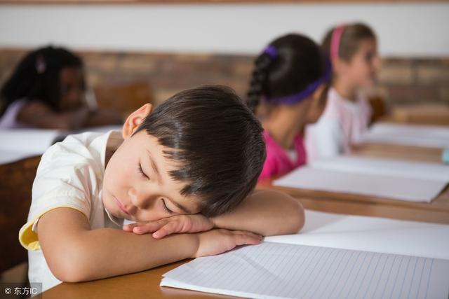 家长们注意了!孩子老爱困打瞌睡,可能是猝睡症引起的_网易新闻