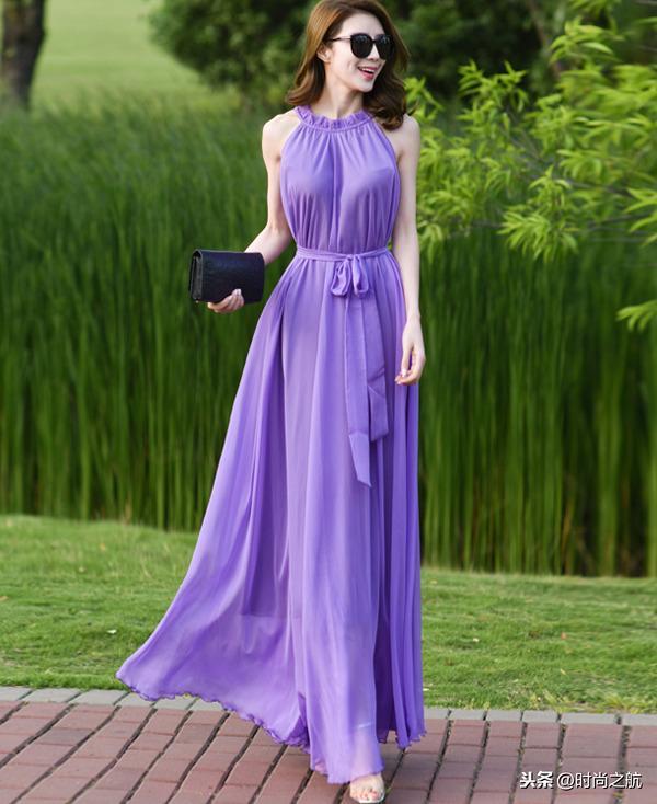 薄纱吊带连衣裙美女