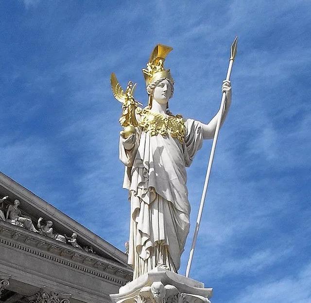 """战神雅典娜,战神阿瑞斯,古希腊神话中为什么会有两个""""战神""""?"""
