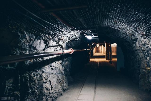 煤矿工人井下真实图片