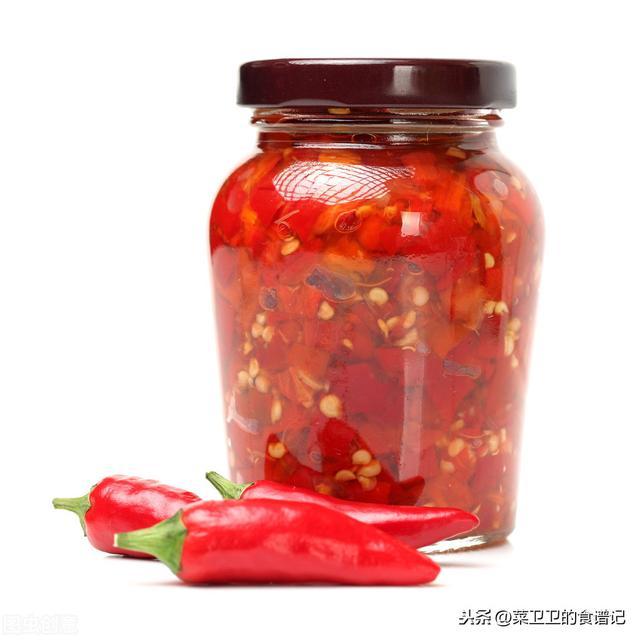 用5斤辣椒和1斤黄豆,就可以做出一道秘制辣椒酱,香辣过瘾很好吃