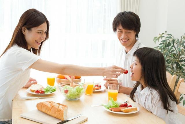 混合澱粉主食為腎病患者最好而新的選擇:既能降肌酐又可保營養