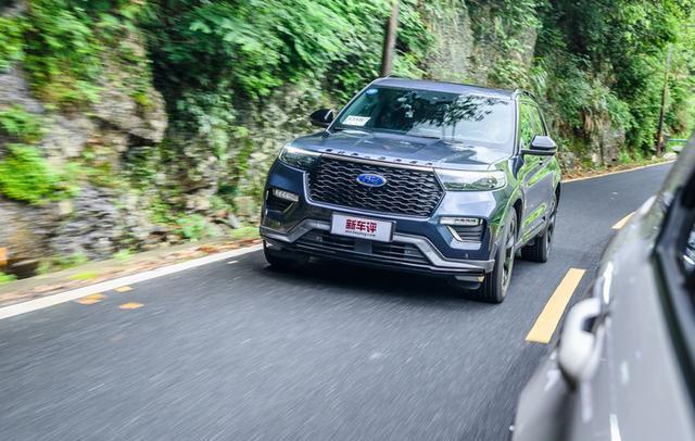 福特探险者首试:30多万的纵置平台中大型SUV 实力几何?
