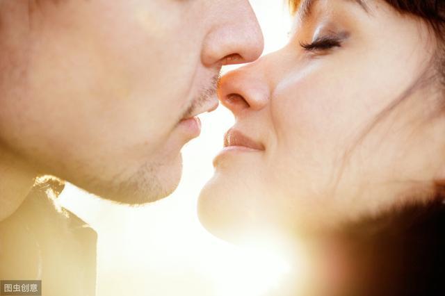心理学:男生愿意和你接吻,和他是不是真心爱你,这是2件事