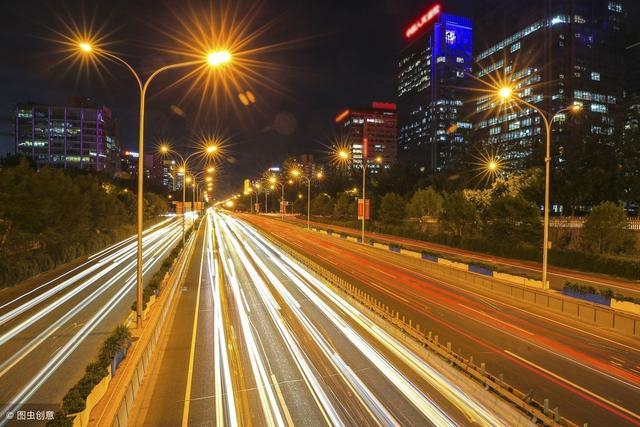 不同环境下的路灯杆该怎样选用?