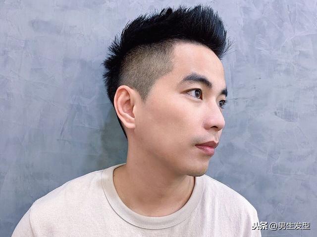 超短发男两边剃光发型