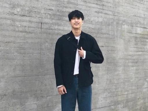 早春韩系风格的男生搭配,不需要太多花样,简单舒适的休闲运动风