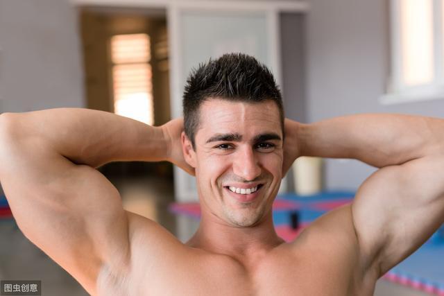 国外全套肱三头肌锻炼方法动作图解_东方头条