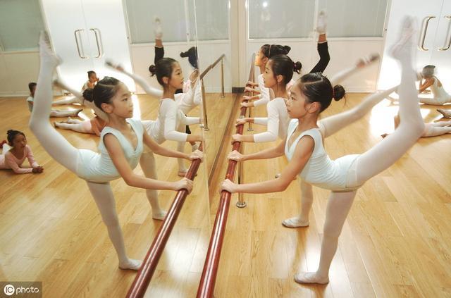 舞蹈艺术学校宣传语