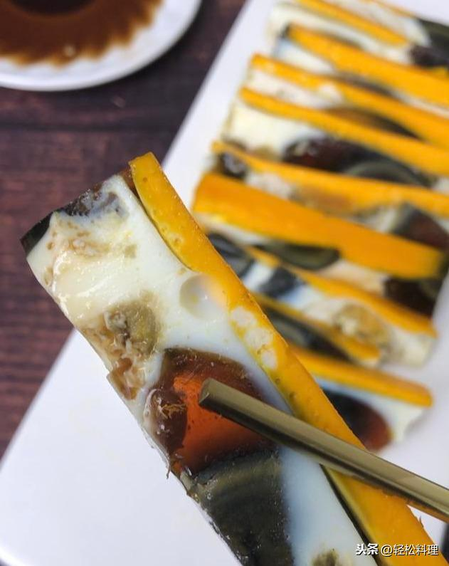 皮蛋怎么做才好吃?宴客這道菜最受歡迎,好看更好吃,上桌就清盤